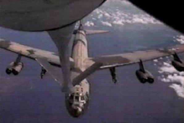 B-52, air refueling.