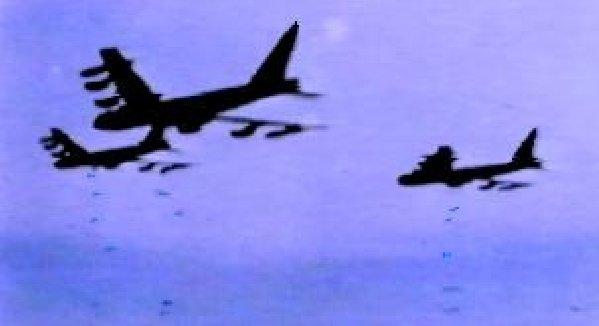 B-52, Closing bomb bay doors.