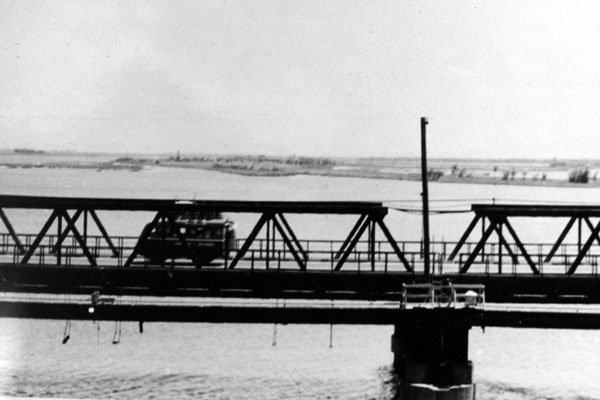 14. Da Nang AB, 366th TFW: Bridge. 1969-1970. [Photo by Ed Burchard].