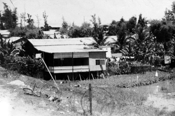 15. Da Nang AB, 366th TFW: Village houses along road. 1969-1970. [Photo by Ed Burchard].