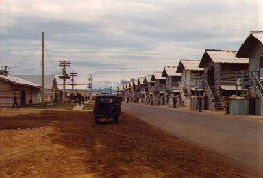 Da Nang 1965: Camp Road (West)